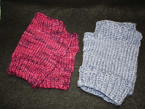 red and blue fingerless gloves